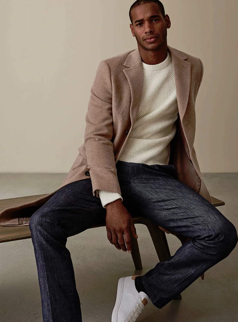 The Patrick trousers in chambray have been crafted from a cotton-blend fabric for comfort and stretc...